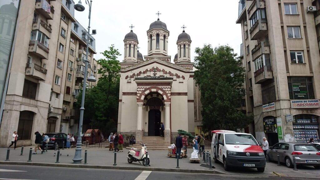 ビクトリエイ通り沿いの教会