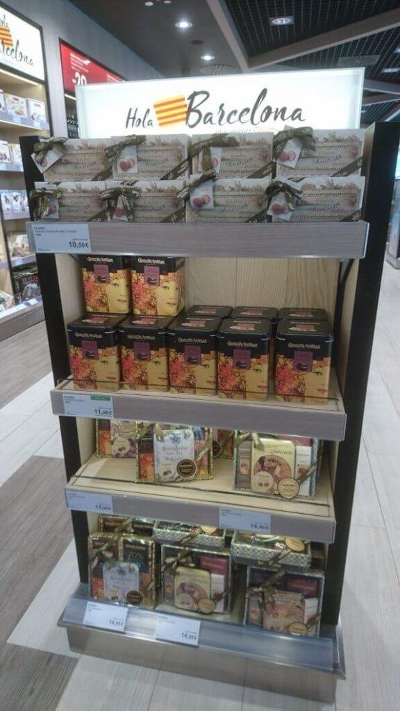 エル・プラット空港の売店にあるチョコレート